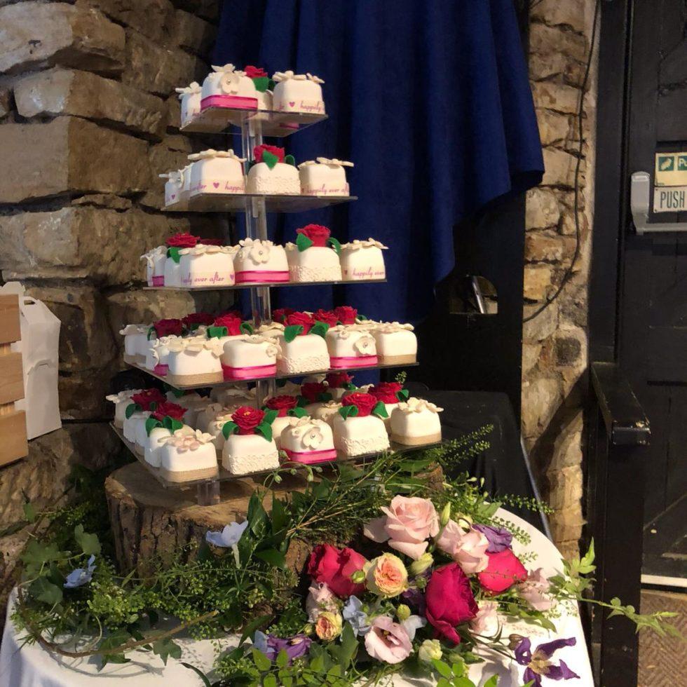 cake stand decor