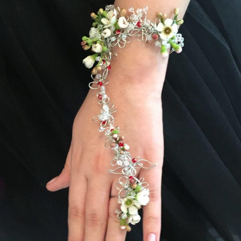 floral accessories for weddings